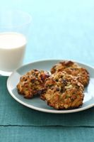 California Avocado Oatmeal Cookies with Raisins